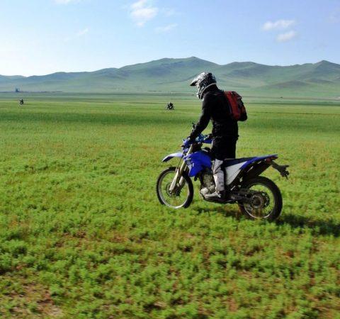 Comment-organiser-un-voyage-a-moto-en-Mongolie-.jpg